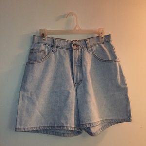 Vintage high rise light wash denim shorts size 6